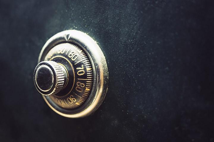 No obstante, en este artículo vamos a explicarte los inconvenientes de guardar dinero en casa.