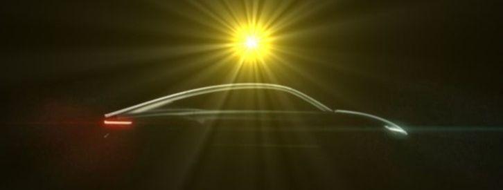 A punto de presentarse el primer coche que funciona solo con luz solar